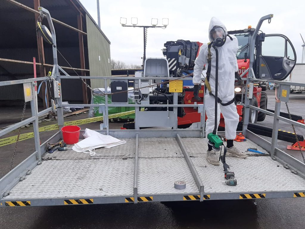Asbest sanering 2300m2 dak in Alkmaar